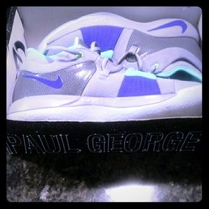 Paul George 2 glow in the dark bottom